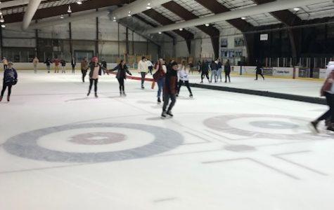 THS Students Dance Around the Ice at the Winter Formal