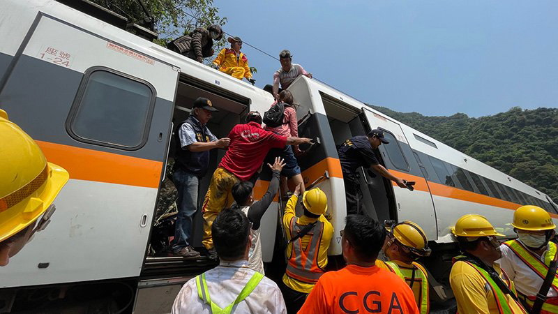 Taiwan Train Derails Killing Over 50 and Injuring Dozens